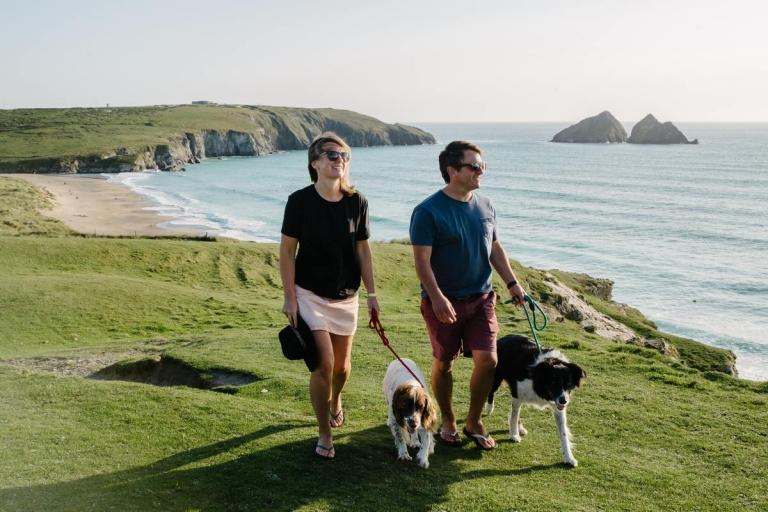 dog-walking-at-holywell-bay-newquay